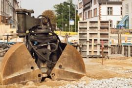 Sanierung einer Strassenbrcke und eine Doppelschaufel